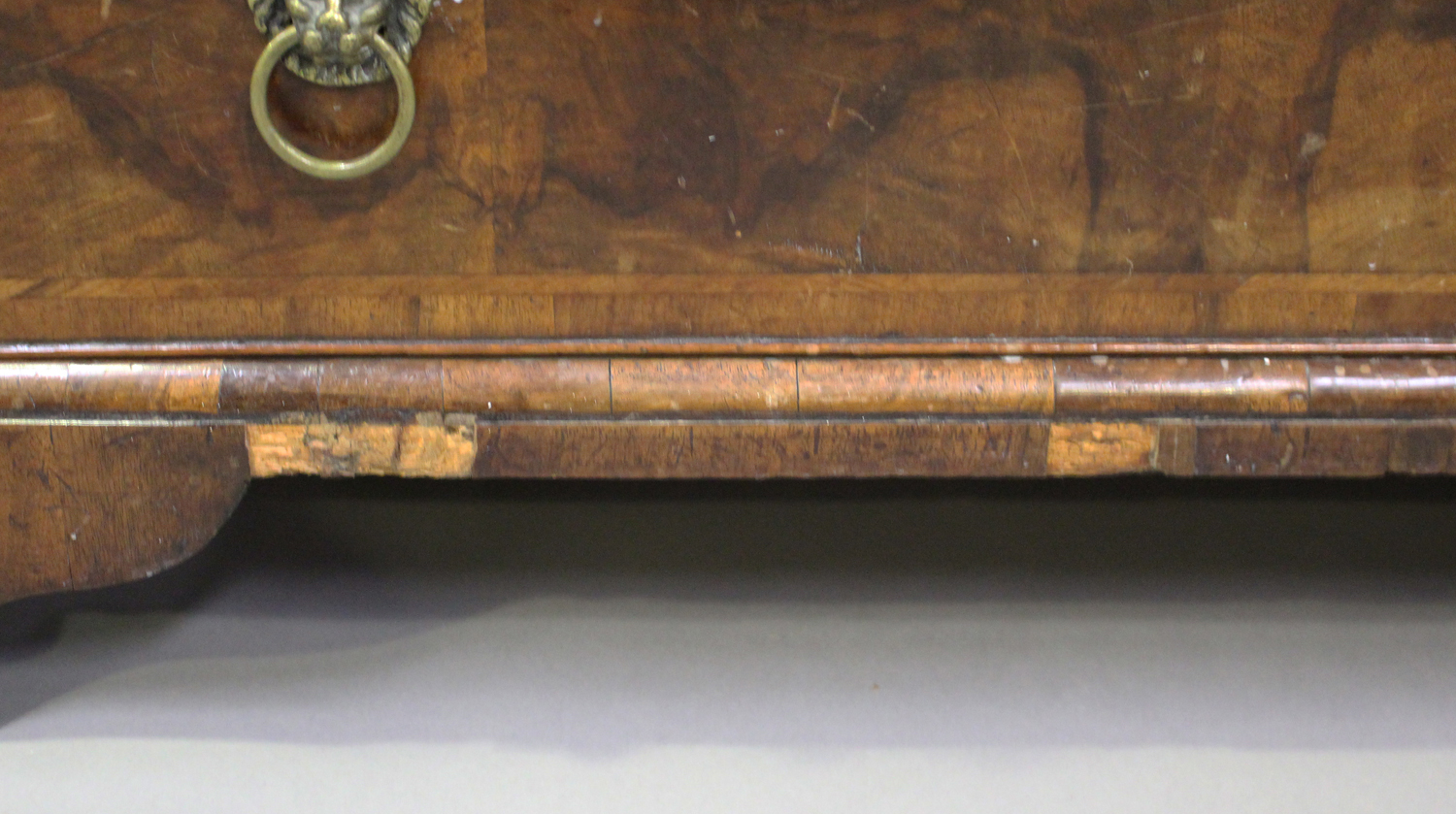An 18th century oak and walnut chest of three drawers with crossbanded borders, on bracket feet, - Image 4 of 7