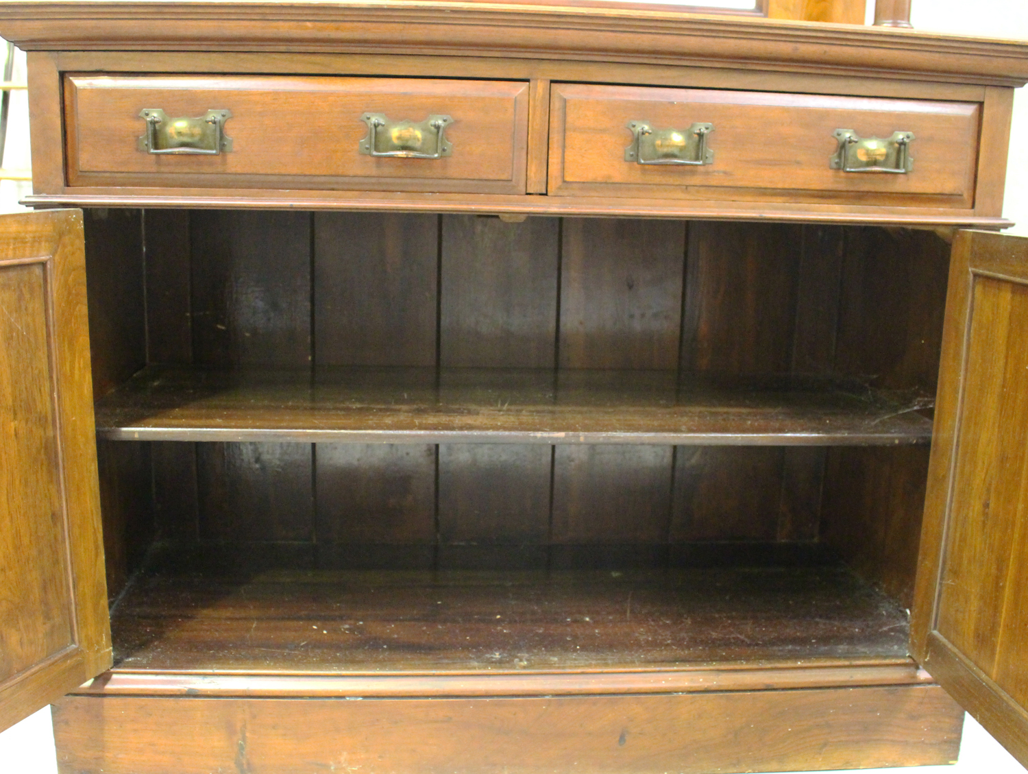 An Edwardian Arts and Crafts mahogany mirror back side cabinet, fitted with two drawers above a - Image 5 of 8