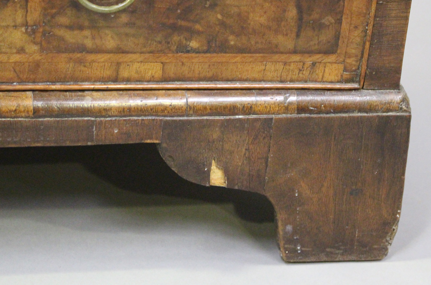An 18th century oak and walnut chest of three drawers with crossbanded borders, on bracket feet, - Image 3 of 7