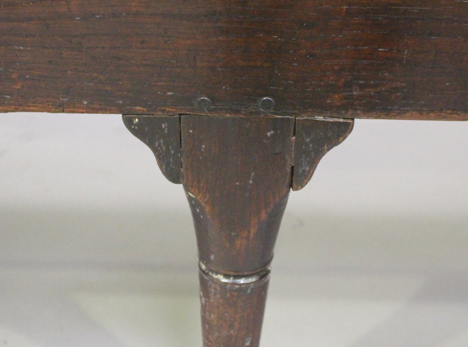 A George III oak settle with four panel back, on turned legs and pad feet, height 102cm, length - Image 3 of 5