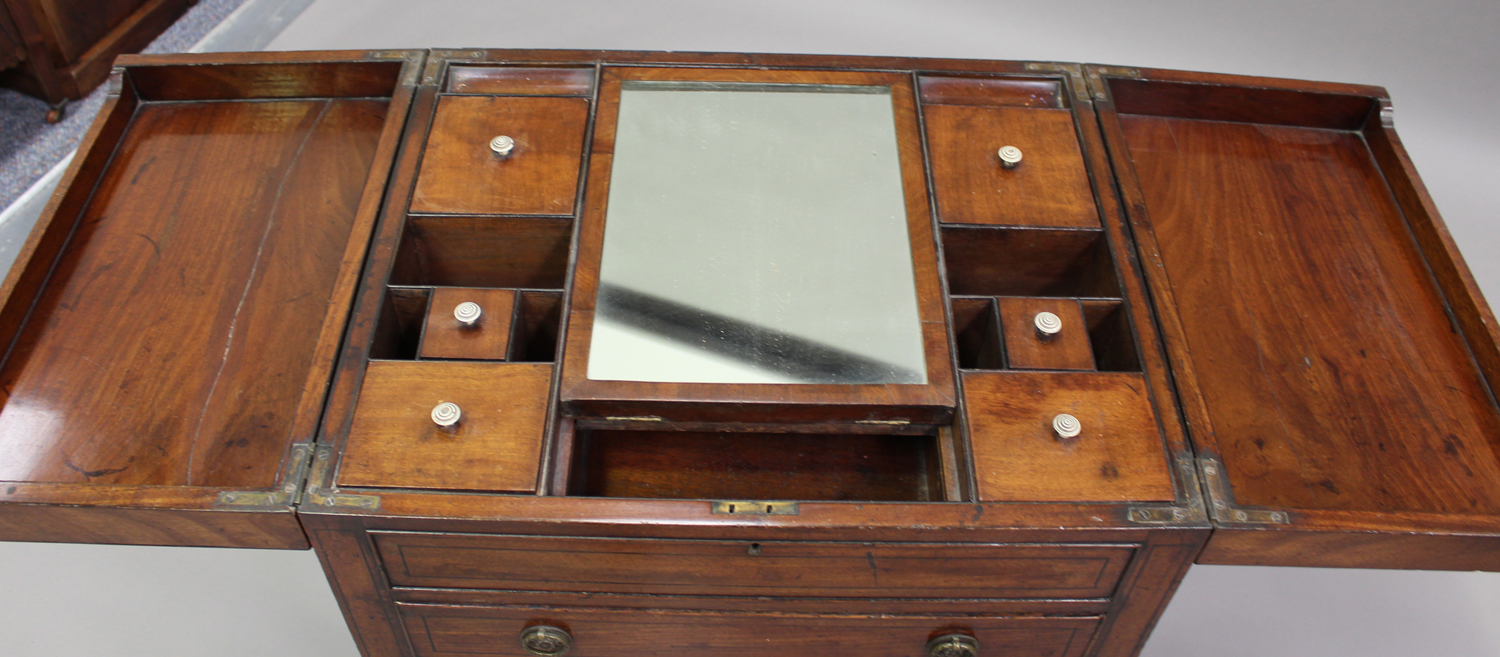A George III mahogany dressing table, the double hinged top revealing a compartmentalized interior - Image 6 of 6