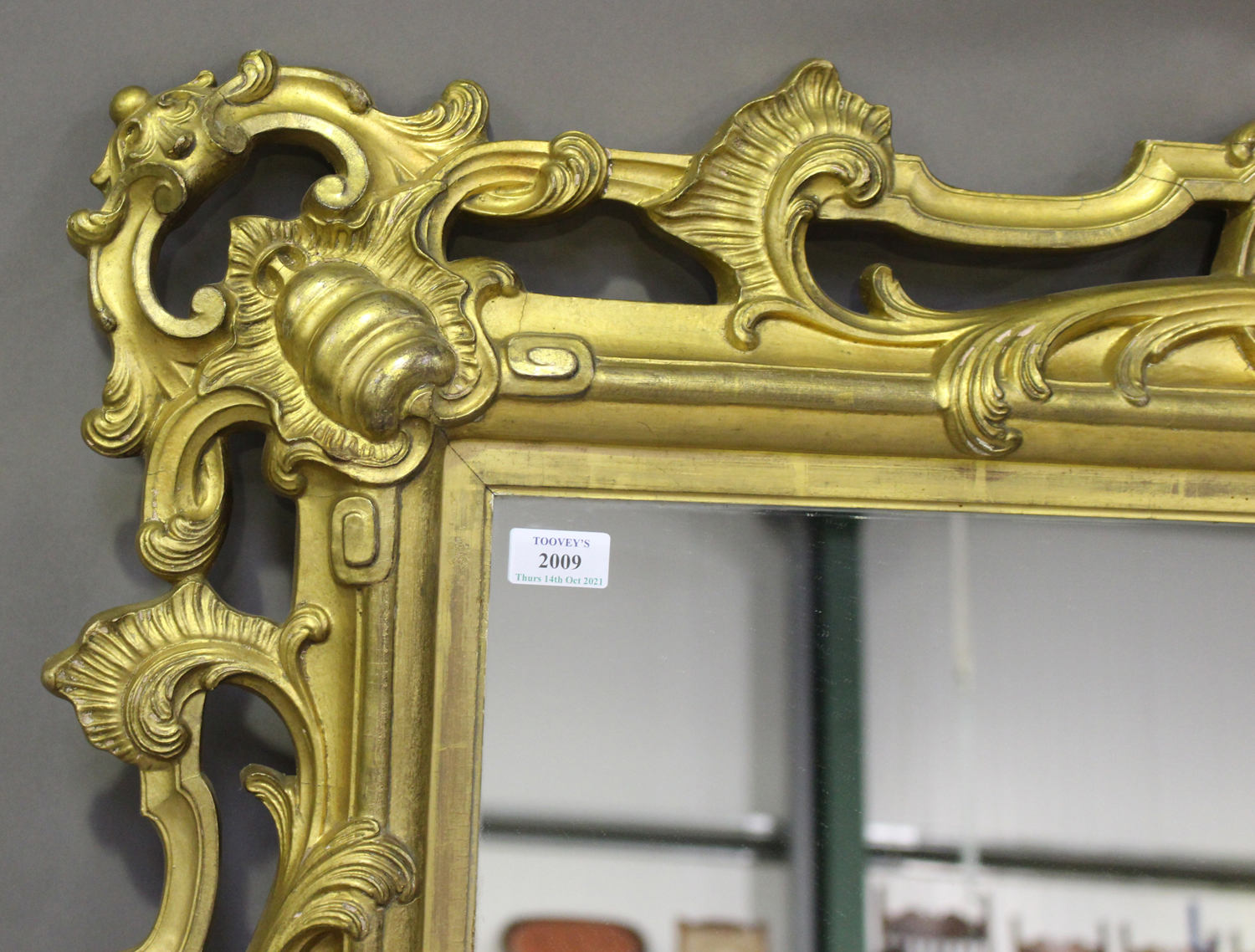 A mid/late Victorian carved gilt wood and gesso framed wall mirror, decorated with leaf and 'C' - Image 4 of 4