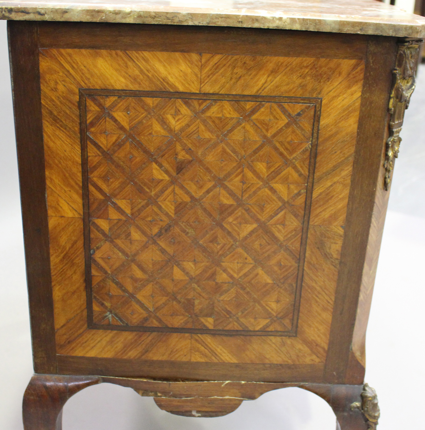 A 19th century French kingwood parquetry veneered side cabinet with rouge marble top and gilt - Image 4 of 10