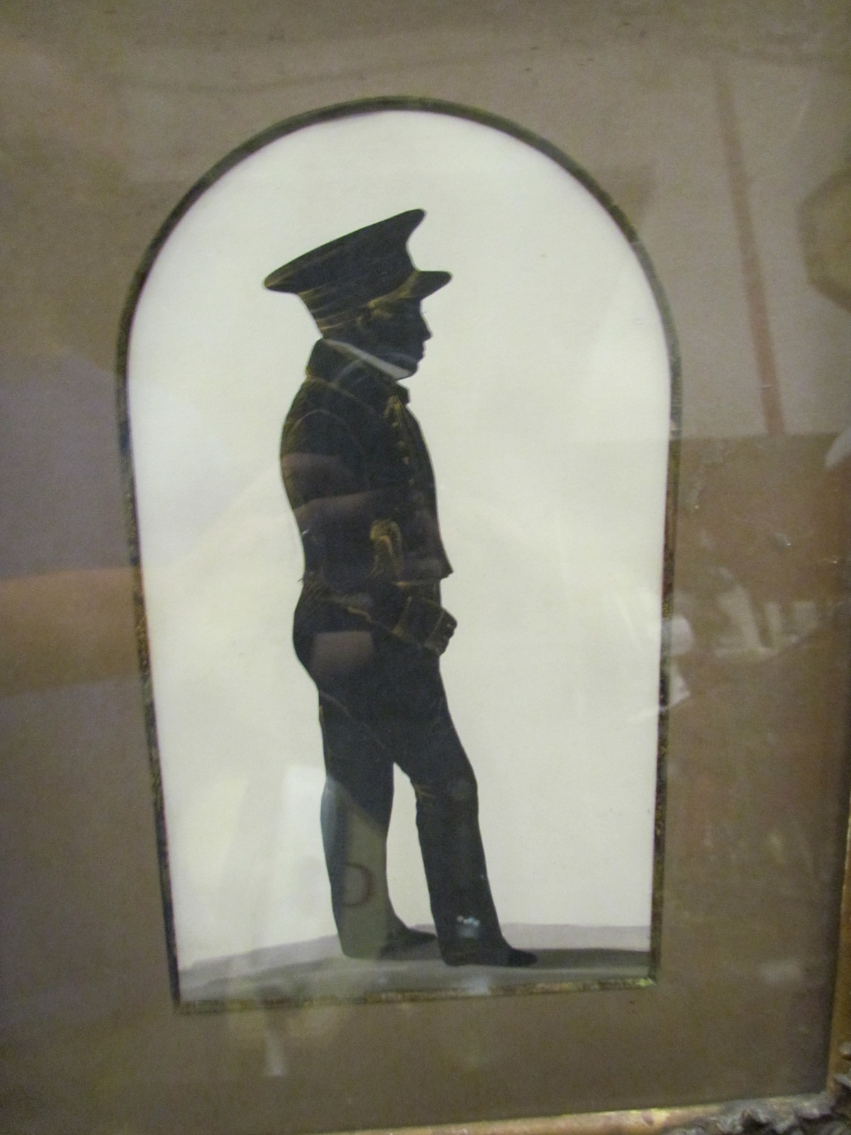 A 19th Century silhouette of a gentleman, gilt framed and glazed,