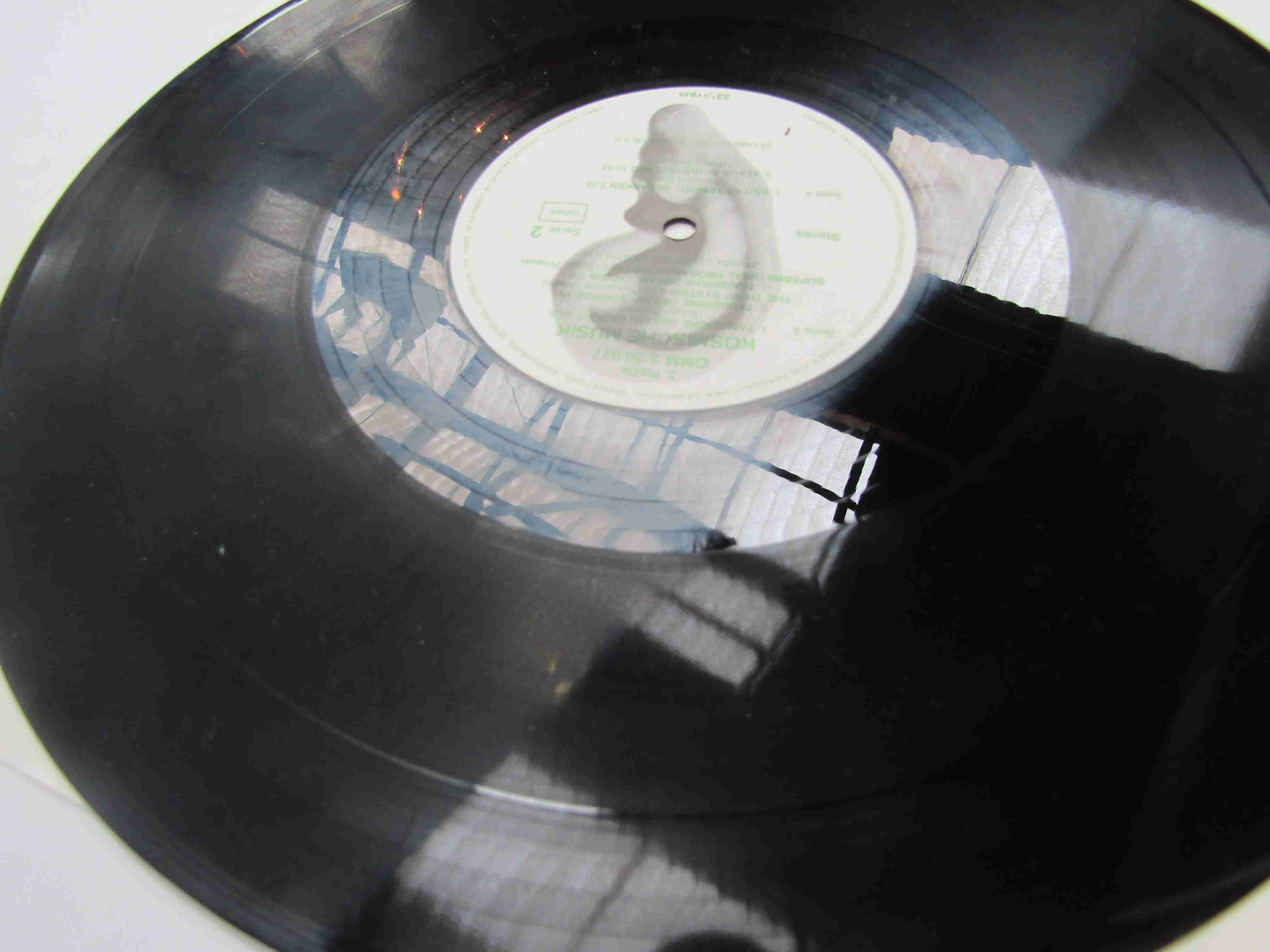 'Komische Musik' 2xLP Krautrock compilation featuring Popol Vuh, Klaus Schulze, Ash Ra, - Image 2 of 2