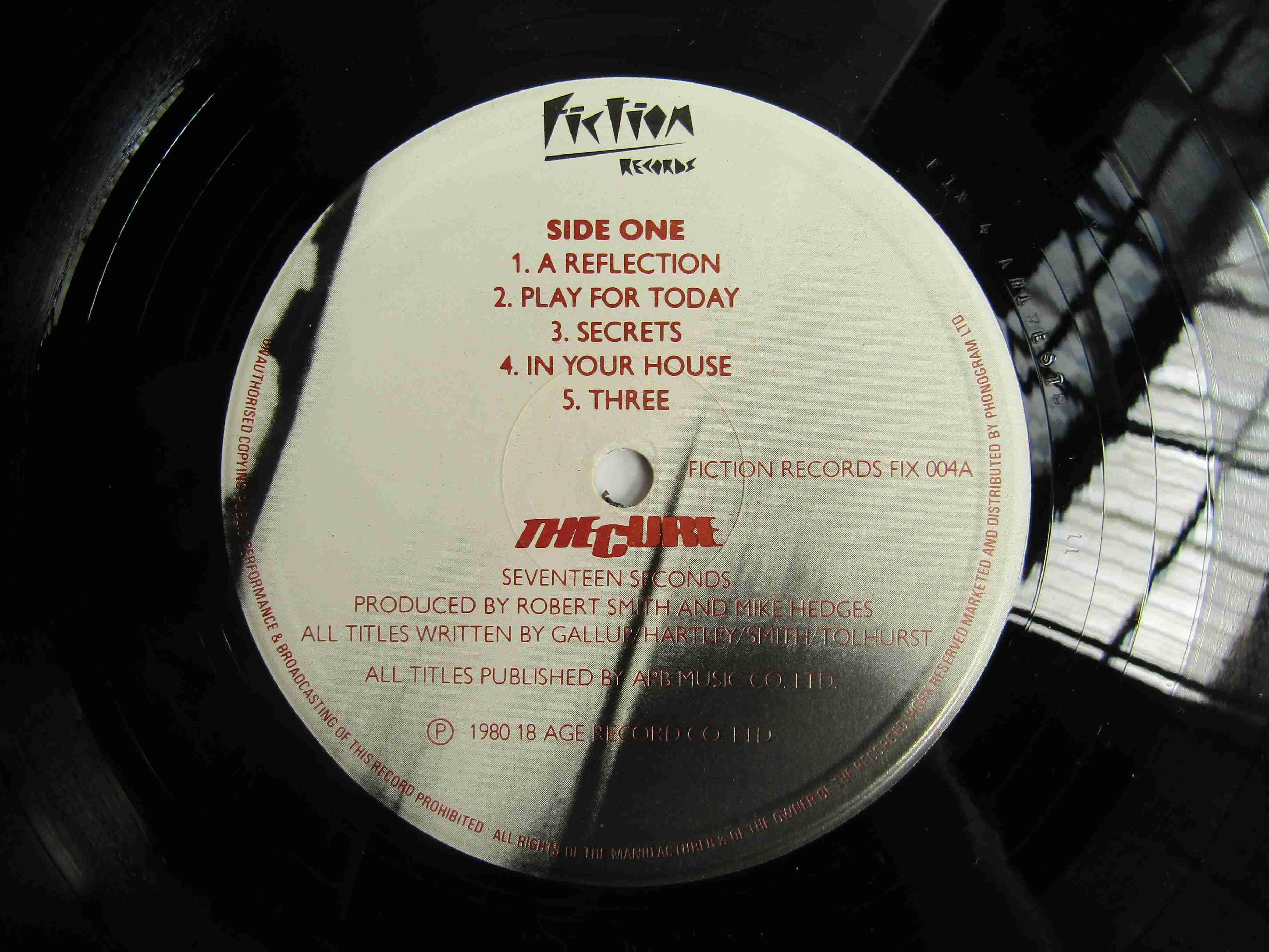 THE CURE: 'Seventeen Seconds' LP, FIX 004, - Image 2 of 2