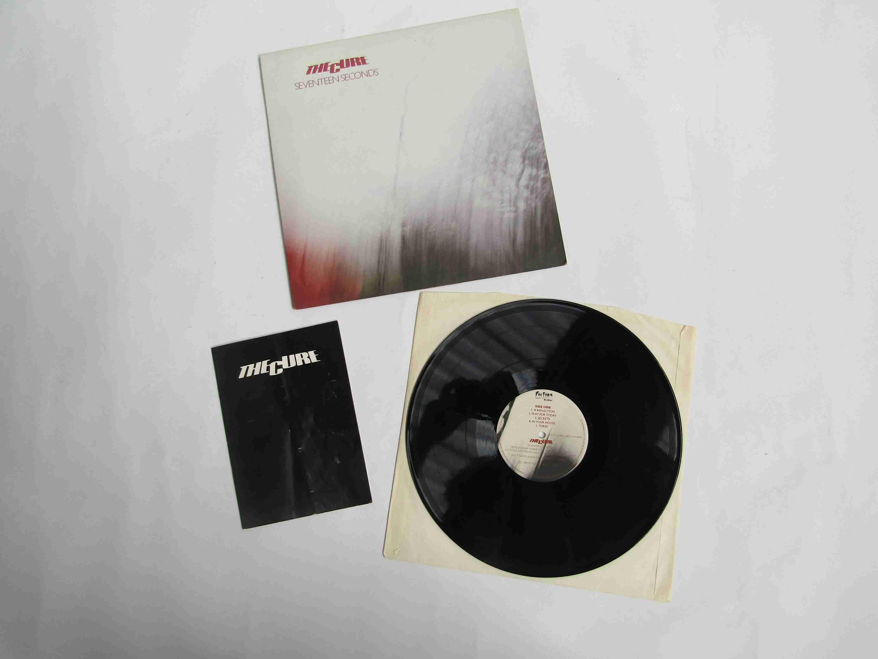 THE CURE: 'Seventeen Seconds' LP, FIX 004,