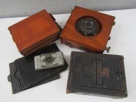 A Hobbies ¼ plate field camera,