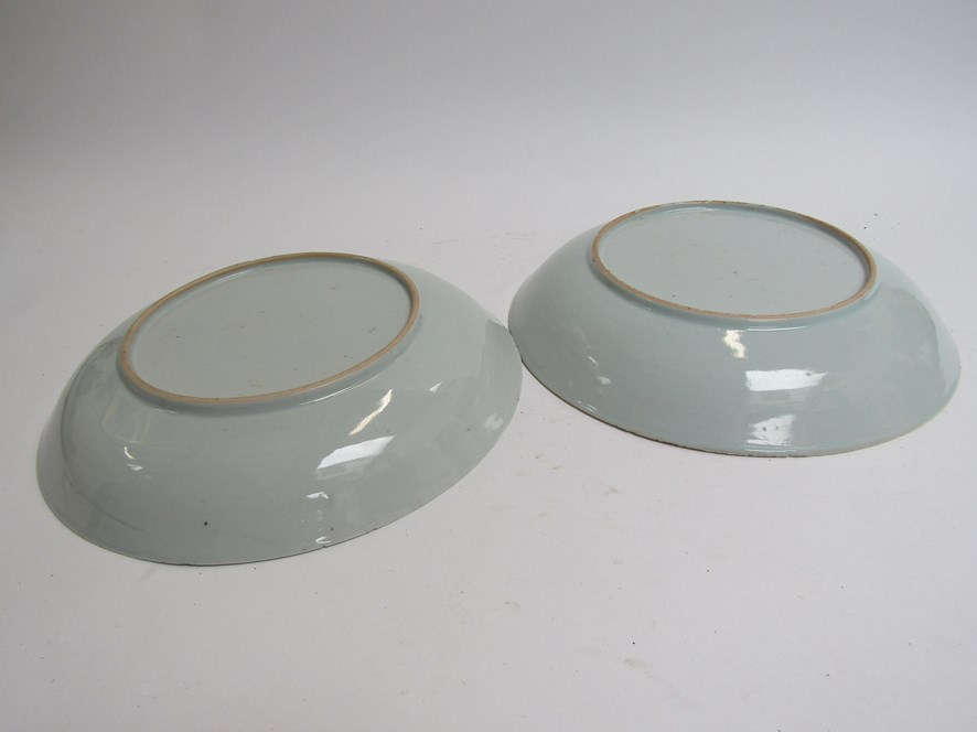 In the style of New Hall, three late 18th Century dishes with puce floral design, - Image 4 of 4