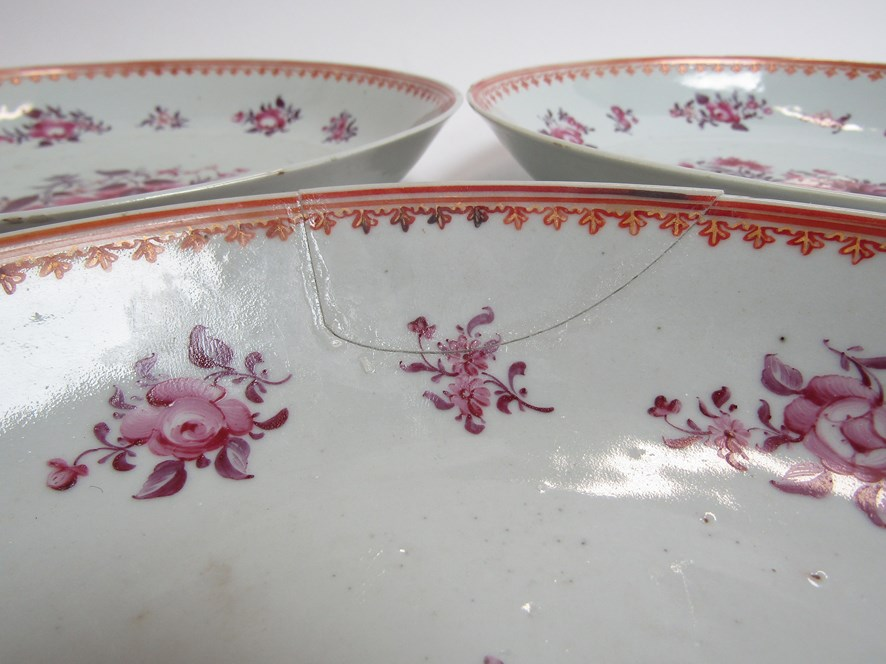 In the style of New Hall, three late 18th Century dishes with puce floral design, - Image 2 of 4