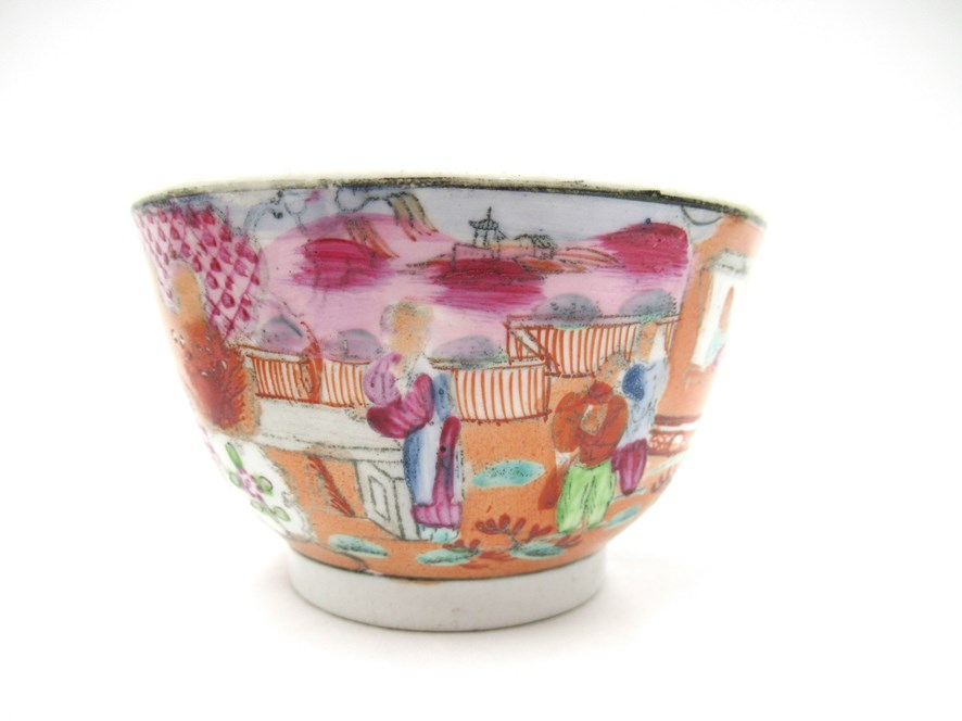 A Newhall polychrome tea bowl and saucer - Image 2 of 4
