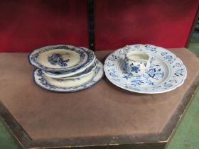 A selection of blue and white ceramics including Royal Doulton Norfolk pattern plates (6)