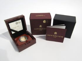 A 2018 gold sovereign, limited edition, of 10,500 Royal Mint,