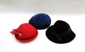 Three early to mid 20th Century ladies hats including a 1940's black hat etc