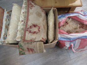 Fourteen assorted tapestry and flock patterned cushions