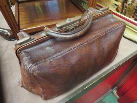 An early 20th Century Doctor's/Nurses leather bag