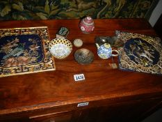 A mixed lot including oriental, cloissonne' and enamel items.