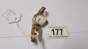 A 9ct gold 1920's ladies wrist watch. ****Condition report**** Winds & runs.