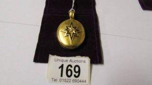 An 18ct gold Victorian mourning locket. 21.5 grams.