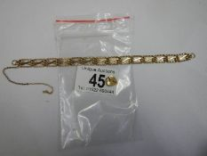 A 9ct gold bracelet with padlock but no clasp. 4.5 grams.