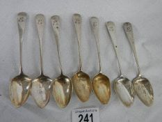 A set of 7 matching hall marked silver teaspoons, 90 grams.