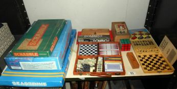 A quantity of old games including Seastrike, chess, draughts, Scrabble,