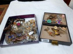 A quantity of misc costume jewellery including rings, pendants, brooches etc.