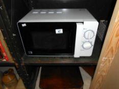 An 800w microwave