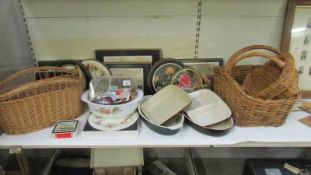 A mixed lot of place mats, coasters, baskets etc.