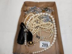 A quantity of misc costume jewellery including necklaces