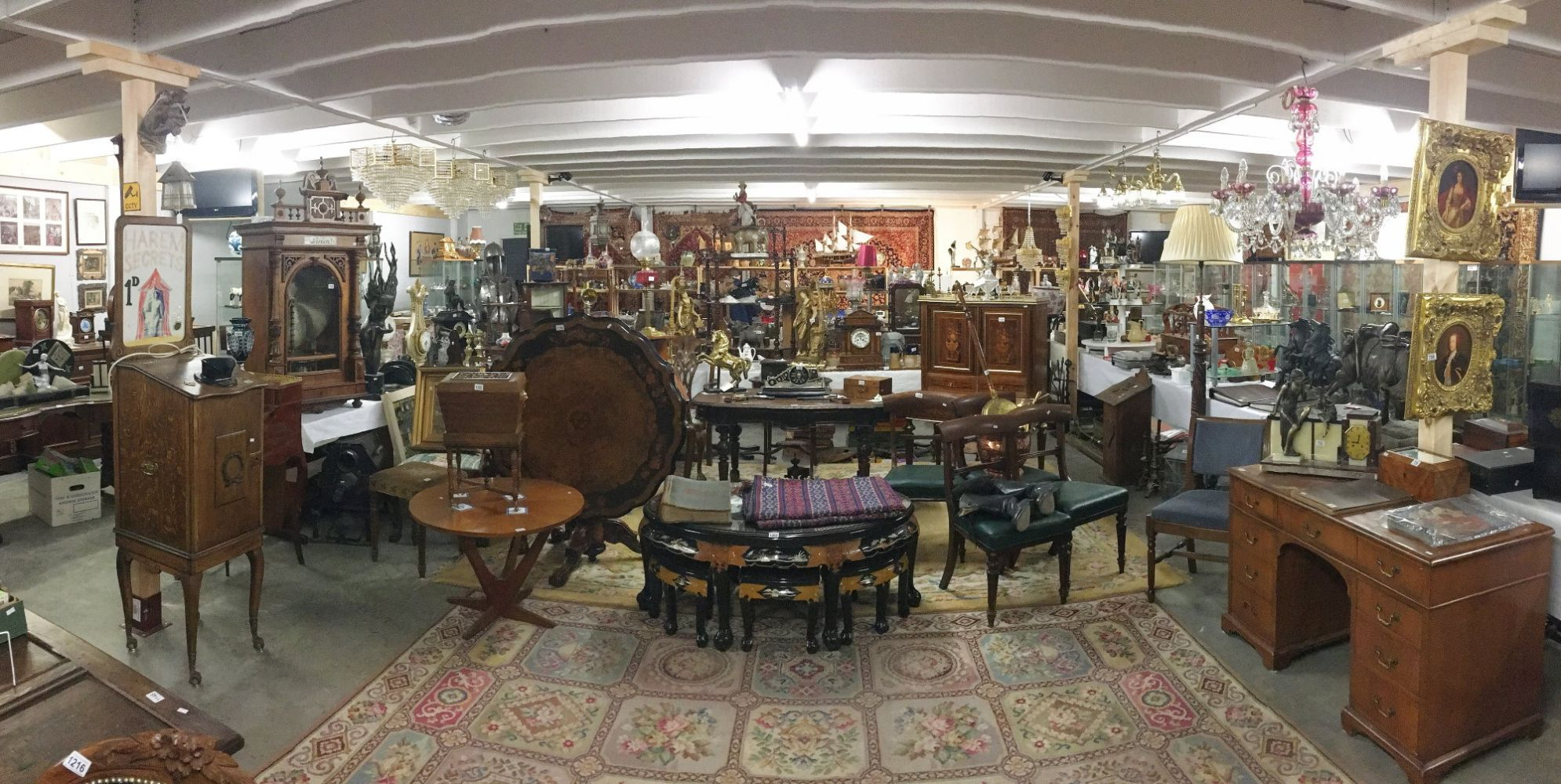 A 3 day Antiques & Collectors including Gold, Jewellery, Silver, Furniture, etc. Lots being added daily. ON LINE BIDDING ONLY..