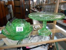 1930's green glass cake stand and fruit bowl with 6 dessert bowls ****Condition