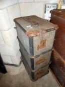 A vintage trunk 78cm x 48cm x 31cm