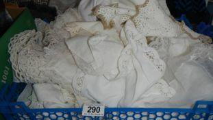 A mixed lot of white linen.