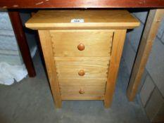 An oak 3 drawer chest