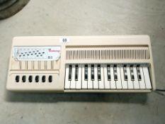A Bontempi B3 1960's keyboard (working)