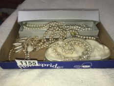 A mixed lot of pearl necklaces