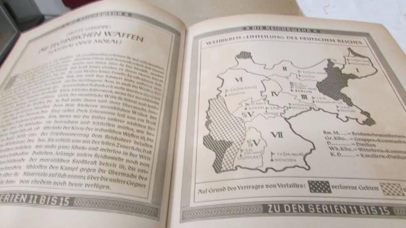 A 1933 'Die Reichswehr' German military cigarette card album, complete. - Image 7 of 10