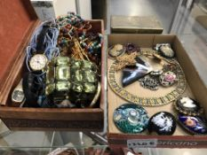 A box of costume jewellery including watches, brooches & necklaces etc.