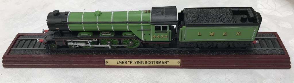 8 x '00' gauge replica model steam trains (5 boxed & 3 unboxed ornamental locomotives) - Image 4 of 10