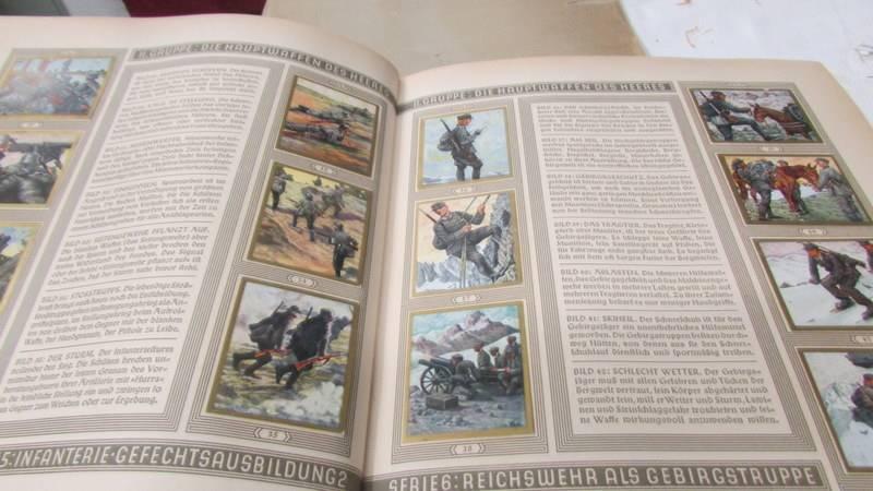 A 1933 'Die Reichswehr' German military cigarette card album, complete. - Image 4 of 10