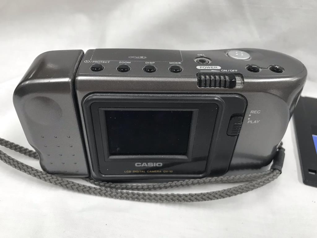 A Casio QV10 digital camera with LCD viewing screen (early version) - Image 3 of 4