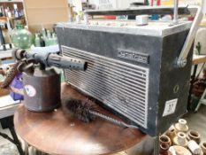 A swivel bottom Dynatron Elan radio,