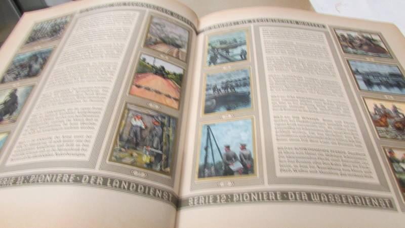 A 1933 'Die Reichswehr' German military cigarette card album, complete. - Image 8 of 10