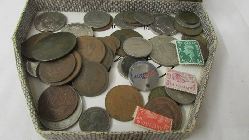 A mixed lot of coins including 1993 £5, crowns, commemorative £2 coin etc. - Image 3 of 3