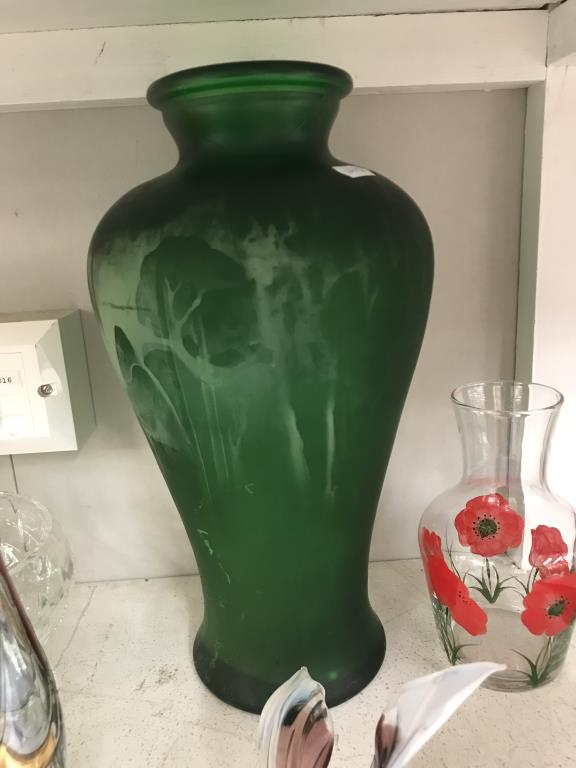A selection of art glass including vases & paperweights etc. - Image 4 of 6