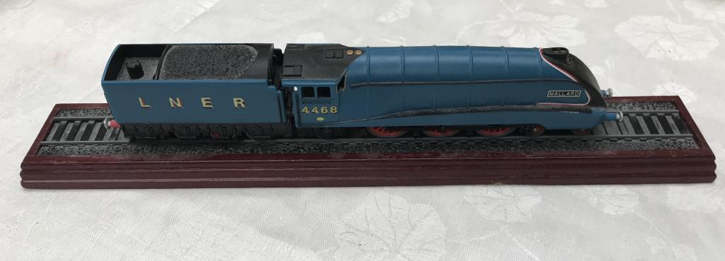 8 x '00' gauge replica model steam trains (5 boxed & 3 unboxed ornamental locomotives) - Image 2 of 10