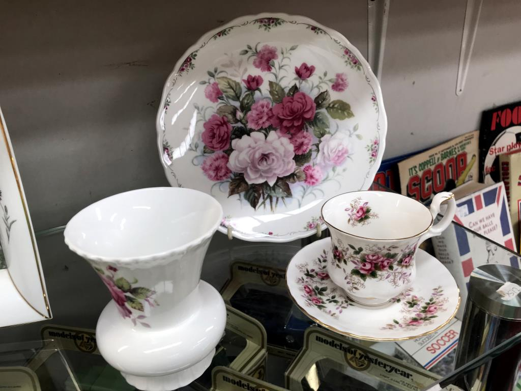 A mixed lot of china including Wedgwood, Royal Albert, Aynsley & Coalport etc. - Image 4 of 4
