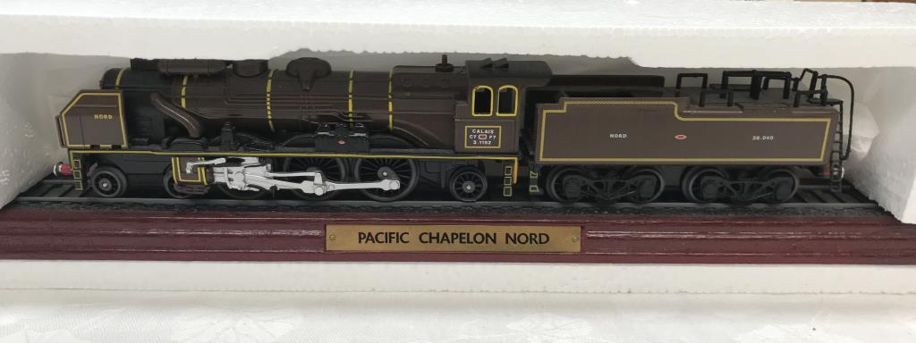 8 x '00' gauge replica model steam trains (5 boxed & 3 unboxed ornamental locomotives) - Image 7 of 10