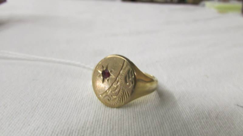A 375/9ct gold signet ring, size R, 7.9 grams. - Image 2 of 2